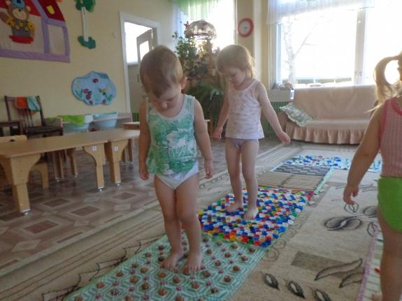 Дорожки для закаливания в детском саду своими руками фото по фгос 61